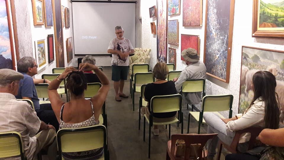 Quintas de cinema sambentista: Secretaria de Turismo e Diretoria de Cultura prestigiam essa bela iniciativa