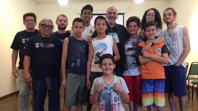 Jovens participam de oficina audiovisual do Festival Curta no Celular e SESC